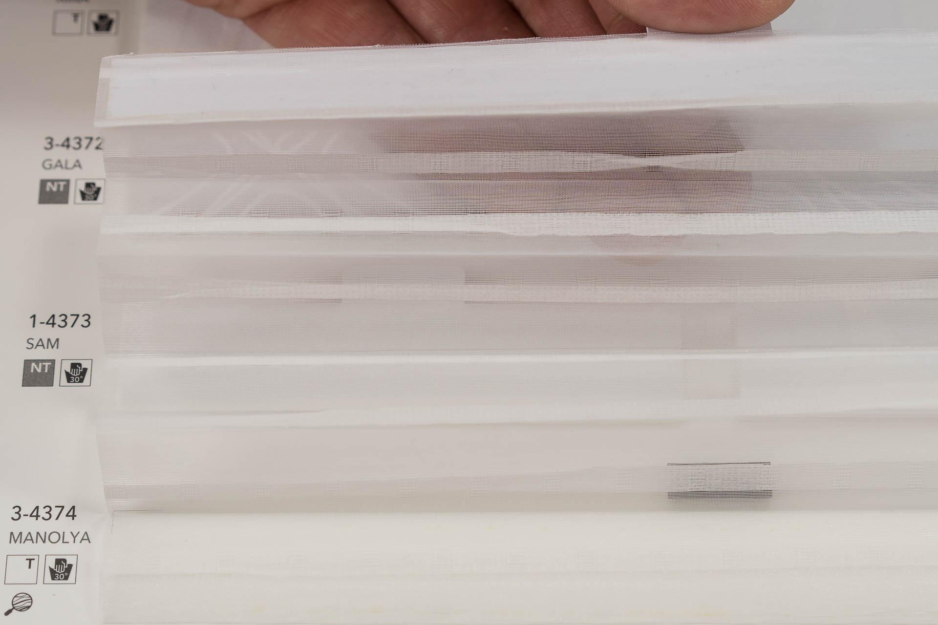 "MHZ Plissee Stoff Muster aus der Farbkarte ""1 white styles""   Material: 100 % PES"