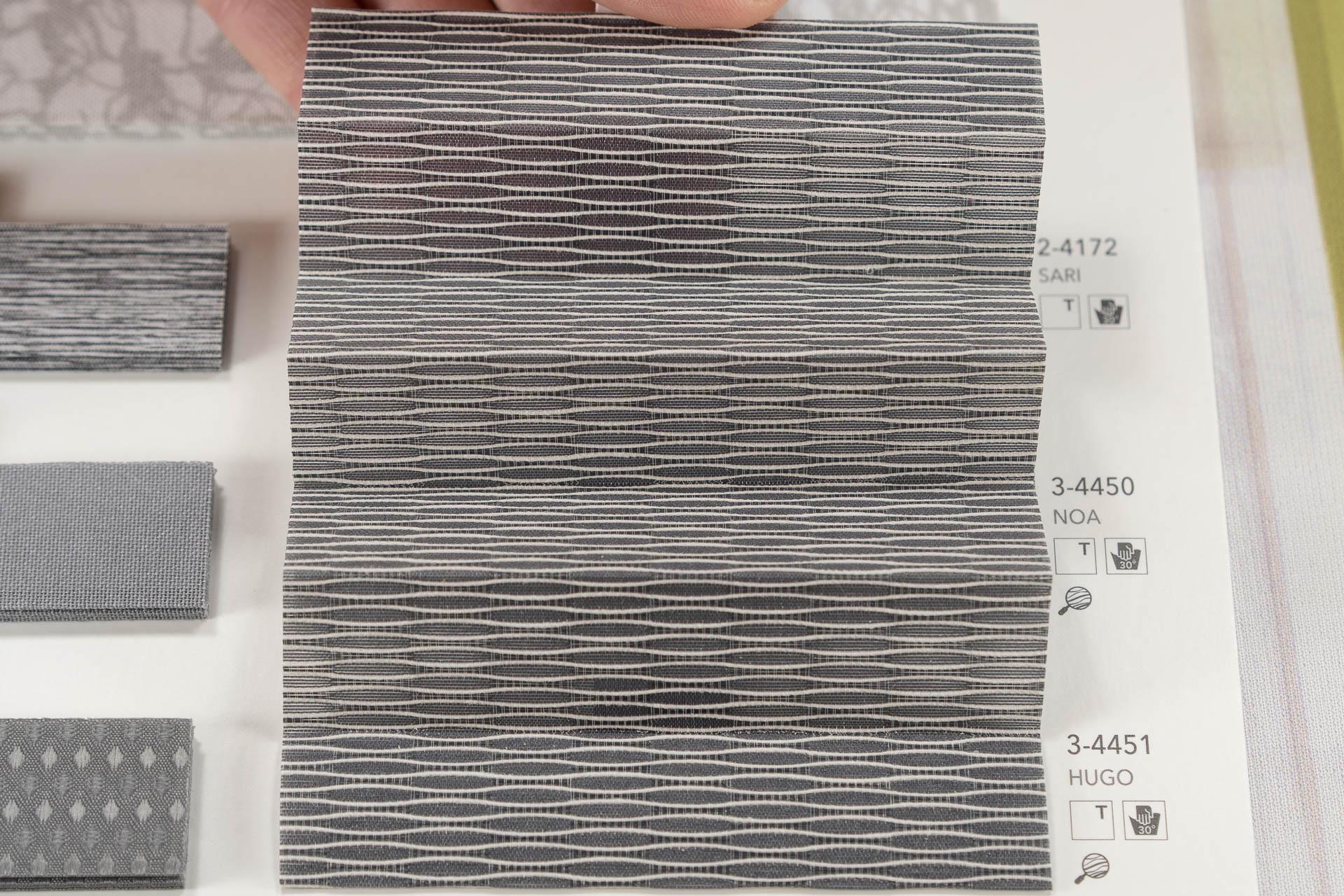 "MHZ Plissee Stoff Muster aus der Farbkarte ""10 dramatic grey"" | Material: 100 % PES"