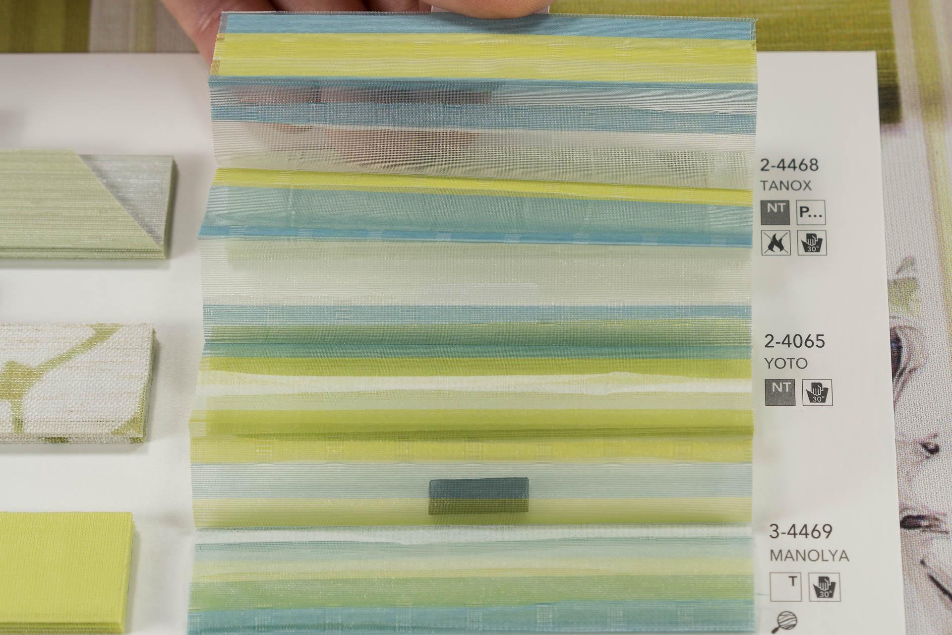 "MHZ Plissee Stoff Muster aus der Farbkarte ""12 forever green"" | Material: 100 % PES"