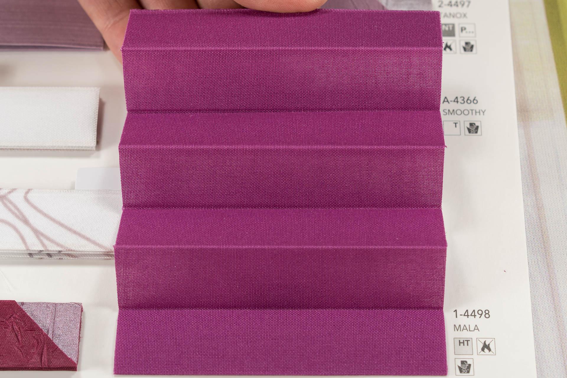 "MHZ Plissee Stoff Muster aus der Farbkarte ""15 sweet purpur""   Material: 100 % TREVIRA CS"