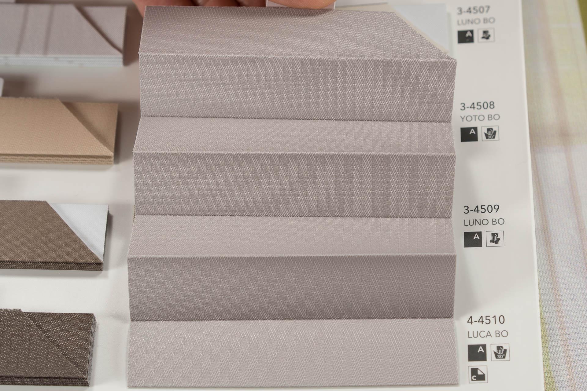 """MHZ Plissee Abdunklungs-Stoff Muster aus der Farbkarte """"16 blackout Seite 1""""   Material: 100 % PES"""