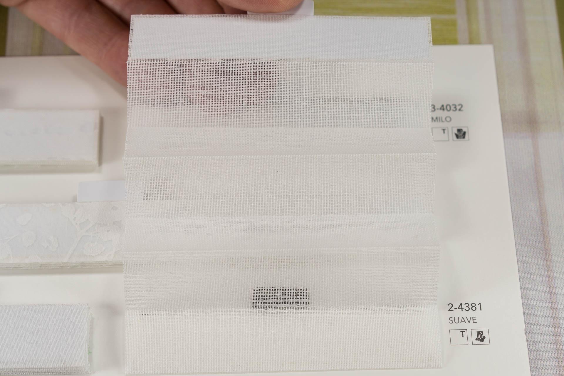 "MHZ Plissee Stoff Muster aus der Farbkarte ""2 white styles""   Material: 100 % PES"